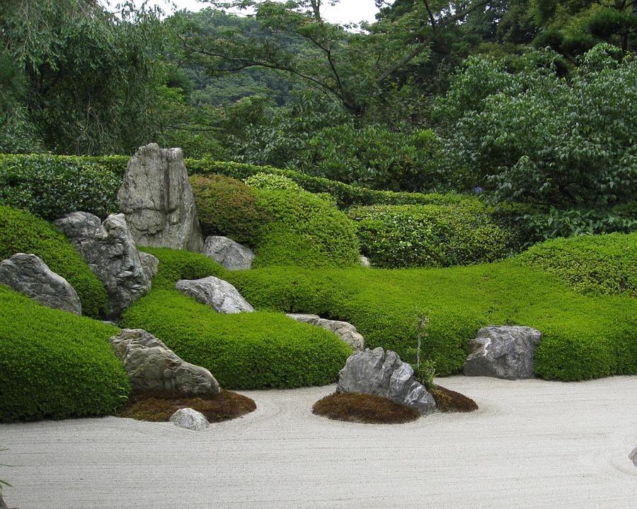 Zen-Gartenarbeit – Schlüsselelemente